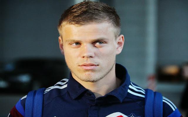 Man United & Tottenham in transfer WAR for Dynamo striker, decision IMMINENT