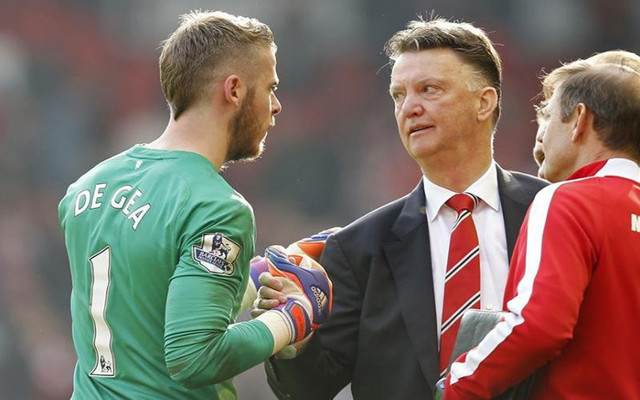 Manchester United star dismisses talk of issues with Louis van Gaal (video)