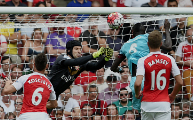 Video: Arsenal 0-2 West Ham – Petr Cech horror-show on debut gives jeered Gooners huge reality check
