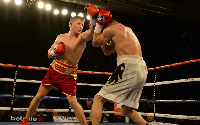 (Video) Boxing news: Bradley Saunders disqualified for headbutt on Renald Garrido