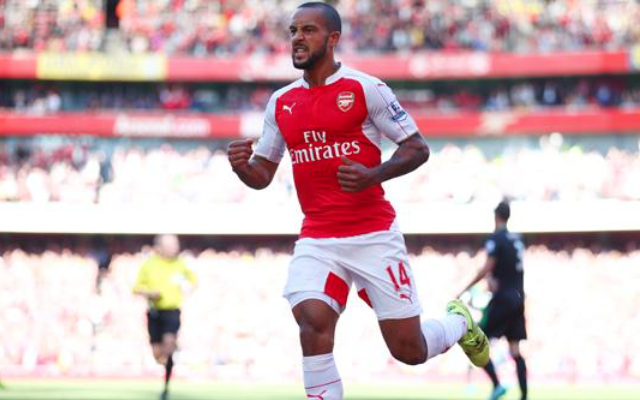 Arsenal ace Theo Walcott SENDS WARNING to Chelsea ahead of crunch Premier League clash