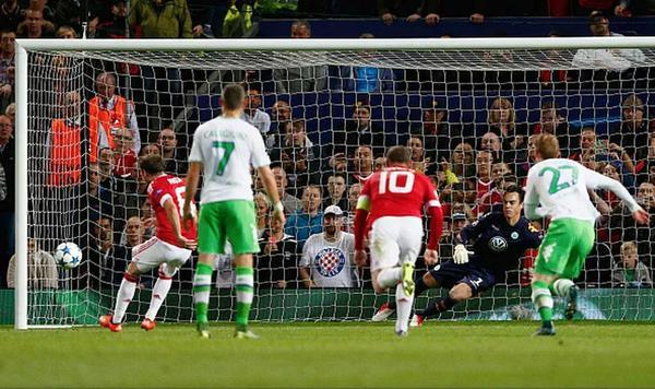 (Video) Mata penalty goal video & player ratings as Man United beat Wolfsburg 2-1