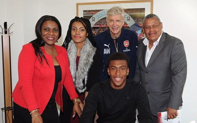 Video of Arsenal's new striker signing should get Gooners VERY excited