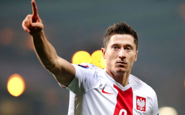 Robert Lewandowski goal video: Poland 2-1 Ireland – record-equalling strike consigns Republic to playoffs