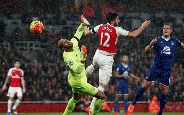 (Video) Olivier Giroud & Mesut Ozil combine for sublime goal but Arsenal pegged back by Everton