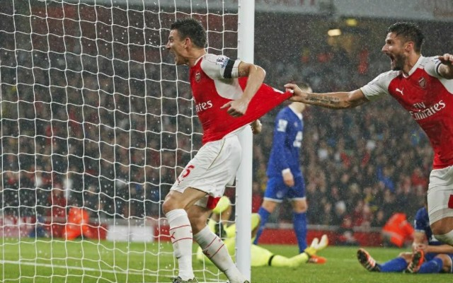 (Video) Petr Cech makes outstanding save to clinch table-topping Arsenal victory over Everton