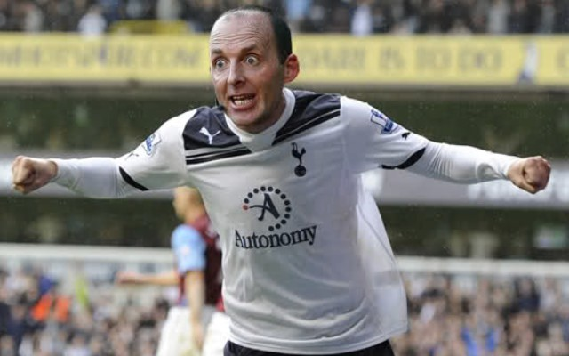 Premier League referee celebrates Tottenham Hotspur goal, angering Arsenal fans (video)
