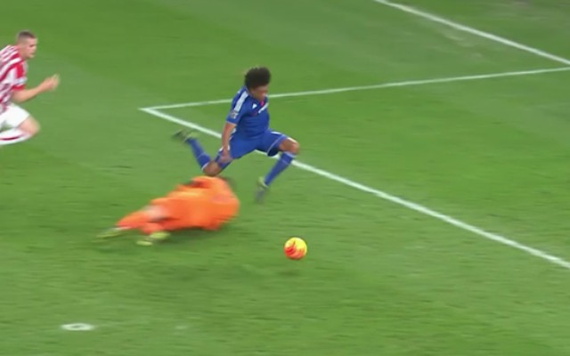 Chelsea denied clear penalty at Stoke: Remy's honesty costs Blues but buys Mourinho familiar excuse (video)