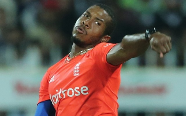 England win subdued super over to secure T20 series whitewash victory over Pakistan (video)