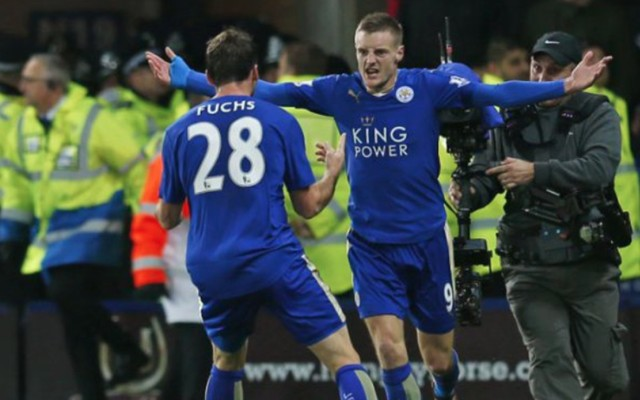 Jamie Vardy record goal video: Man United stung by double blow as Leicester star makes history