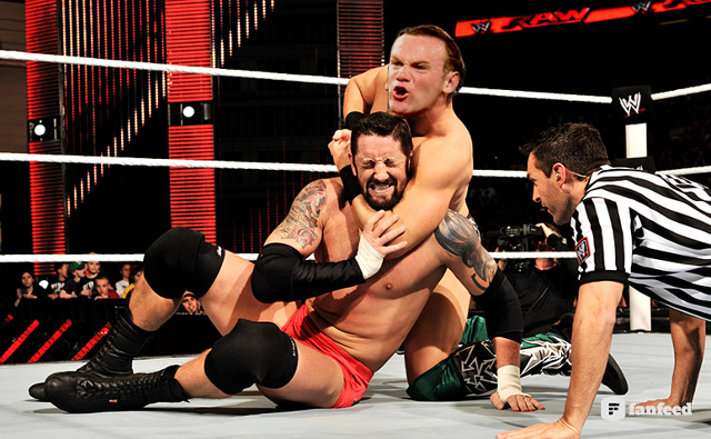 (Video) Is Wayne Rooney the next WWE superstar? He just smacked Wade Barrett on Monday Night Raw